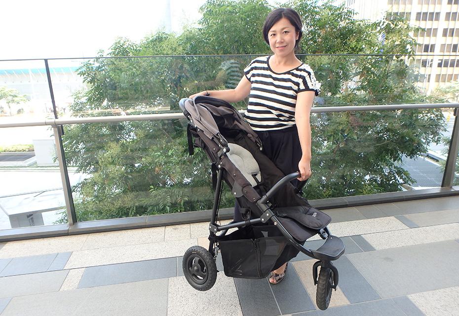 赤ちゃんを乗せた状態で持ち上げるのは、かなり辛かった